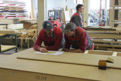 Holzriegel Hausbau Zimmerei Baumeister Fertigteilhaus Holzbau